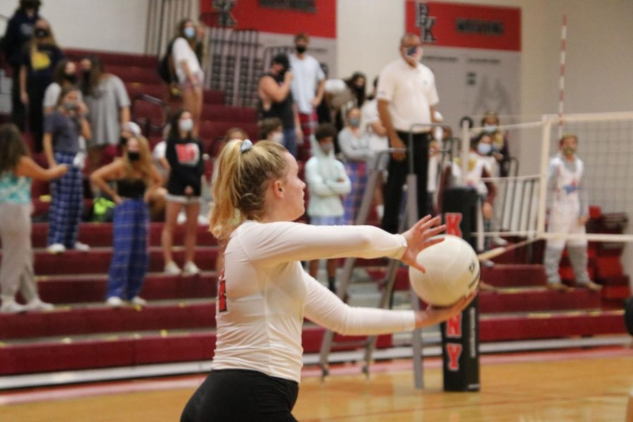 Senior Emilie Chinault prepares to spike the ball.